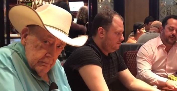 策略文章:Gus Hansen晒扑克教父Doyle Brunson打牌的照片