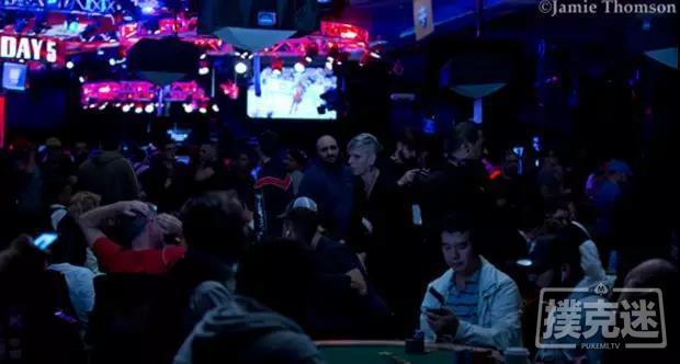 蜗牛扑克:WSOP战报:主赛事第五日,Michael Dyer筹码过千万领跑