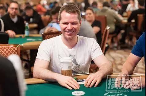 【蜗牛扑克】Jonathan Little谈扑克:低对的正确游戏方式