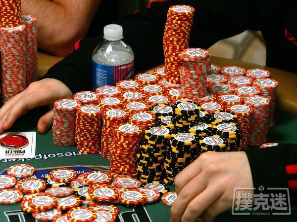 """蜗牛扑克:Justin Lapka被指责在WSOPC赛事中""""多领了筹码"""""""