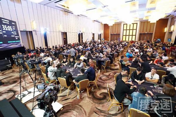 蜗牛扑克:OPC主赛Day1B组:385人参赛,浙江陈卡尔成为领头羊!
