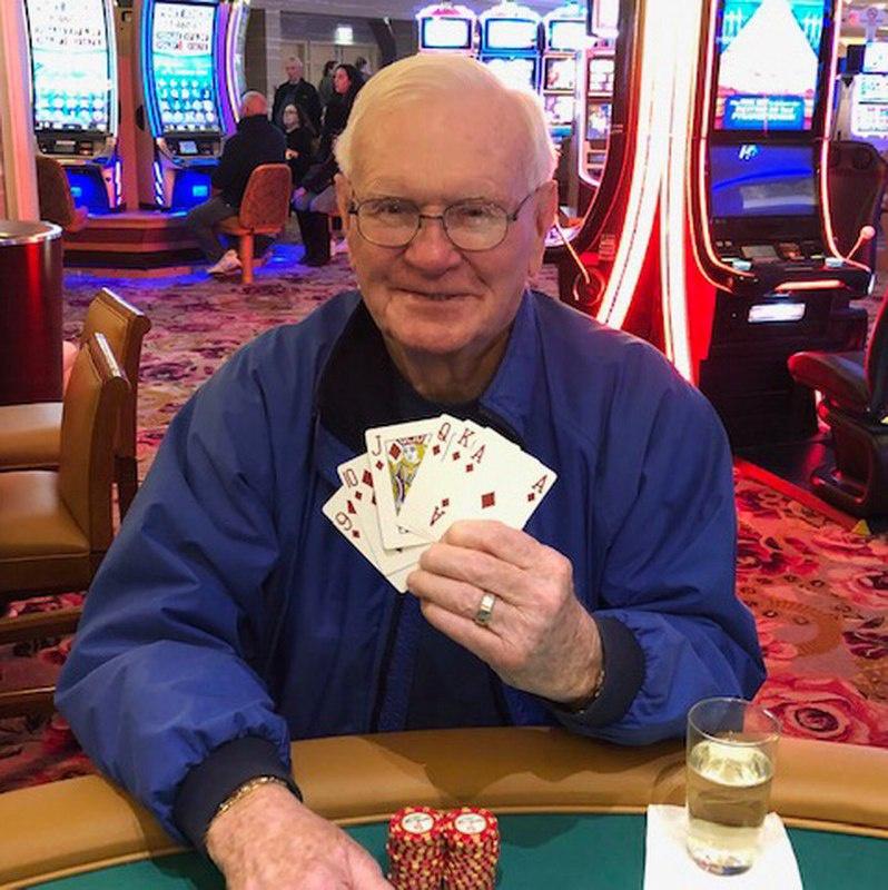 蜗牛扑克:85岁老人五美元下注赢得百万大奖
