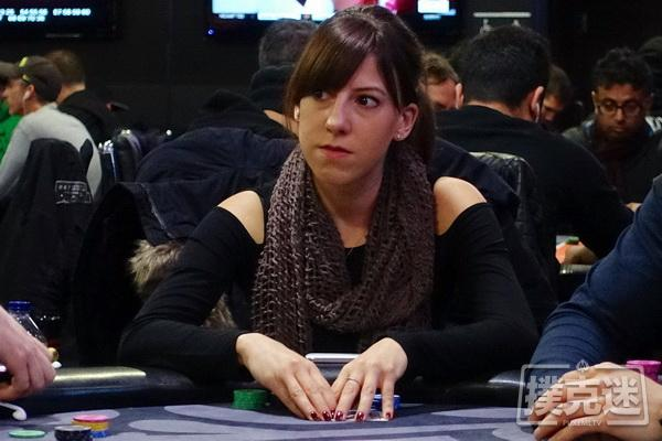 蜗牛扑克:2018风靡女牌手Kristen Bicknell, Liv Boeree