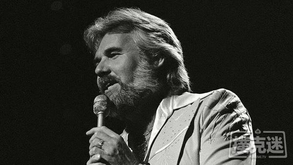 蜗牛扑克:《赌徒》演唱者Kenny Rogers去世,享年81岁
