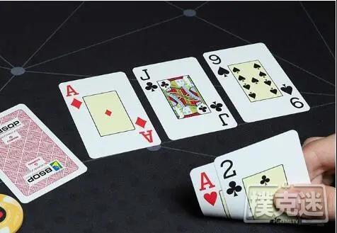 【蜗牛扑克】拿到弱踢脚的顶对,你该怎么玩