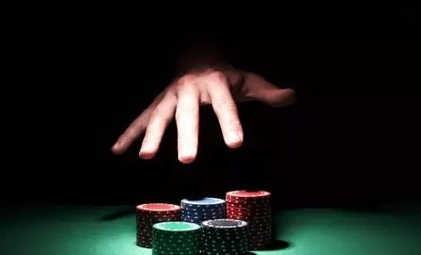【蜗牛扑克】在运气最好的时候让对手全军覆没