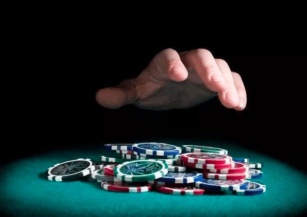 【蜗牛扑克】熟记这5个德州扑克技巧,可以让你长期稳定盈利 (获胜秘诀)