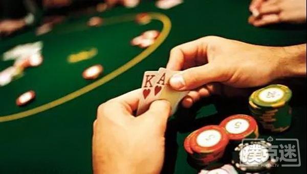 【蜗牛扑克】德州扑克中AK翻牌击中A或K,咋整