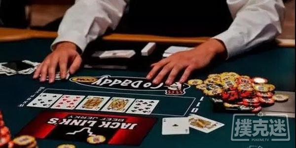 【蜗牛扑克】德州扑克技巧-在对子翻牌面用同花听牌加注的优劣