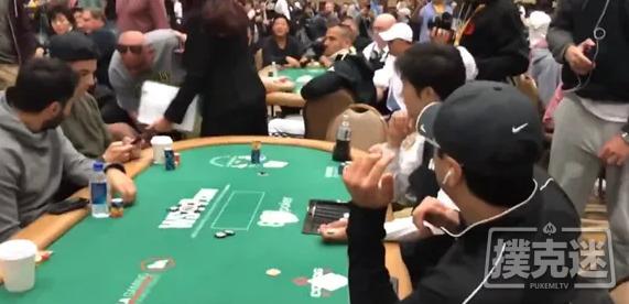 蜗牛扑克:2019年世界扑克大赛主赛中脱裤子的扑克玩家被判缓刑