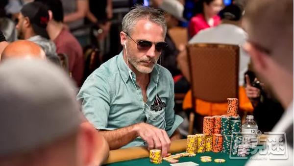 蜗牛扑克:Damian Salas在WOC主赛事决赛桌保持领先