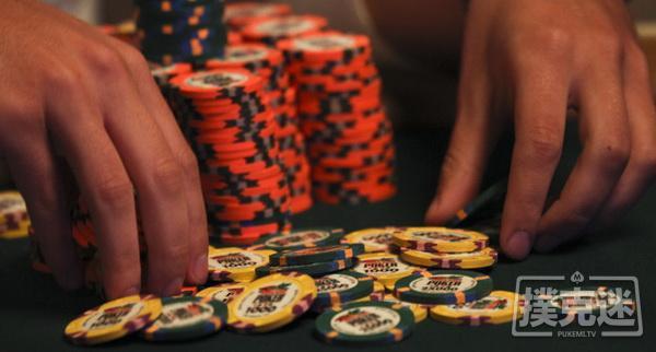 【蜗牛扑克】德州扑克策略谈:同花连牌需要避免的5个常见错误