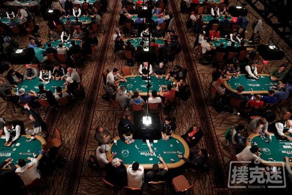 蜗牛扑克:为了在疫情中玩扑克,美国人被迫出国