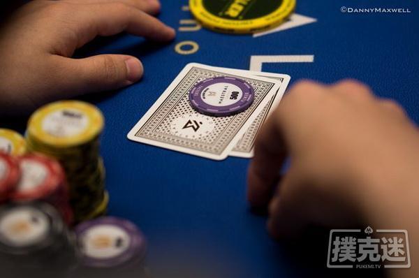 【蜗牛扑克】德州扑克牌局分析:避免在多人底池激进地游戏弱同花听牌