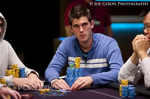 【蜗牛扑克】德州扑克将常客玩家逼至绝境