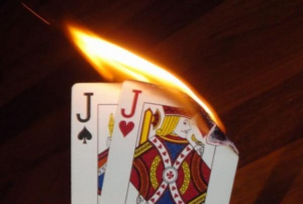 【蜗牛扑克】德州扑克大神Jonathan Little谈扑克:错失价值的高对