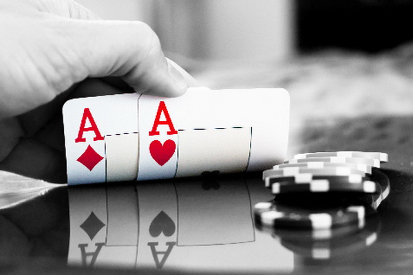 【蜗牛扑克】德州扑克别让胜利蒙蔽了你的双眼