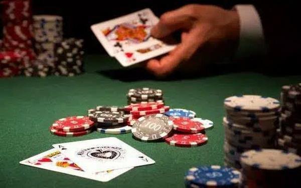 【蜗牛扑克】德州扑克正确的答案都需要那么一点时间
