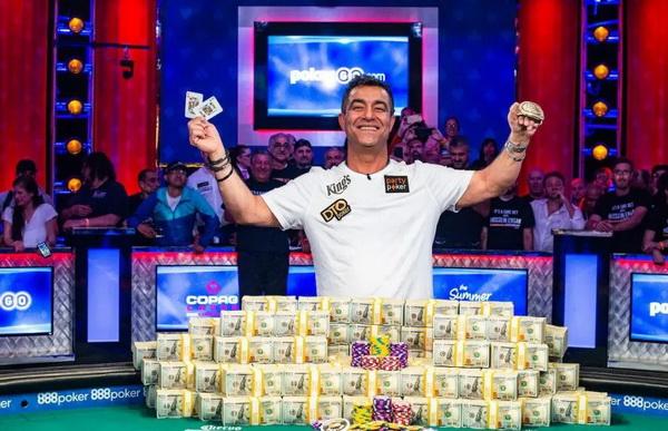 蜗牛扑克:Ensan认为应该保留Madanzhiev的世界冠军头衔