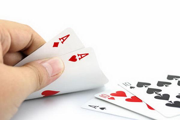 【蜗牛扑克】德州扑克最适合翻牌圈加注的场合