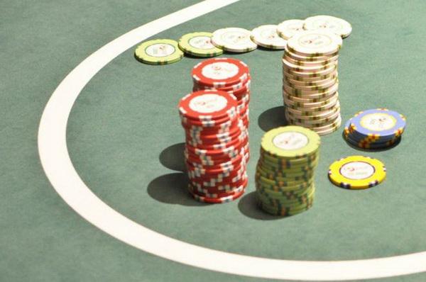 【蜗牛扑克】德州扑克没成牌的情况下怎么办?