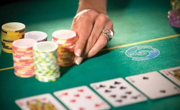 【蜗牛扑克】德州扑克如何理想地游戏99、TT、JJ?