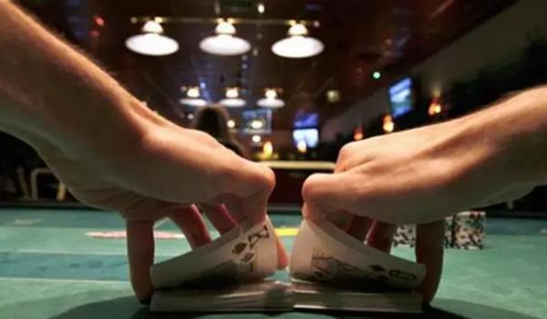 【蜗牛扑克】德州扑克一些低劣的锦标赛建议