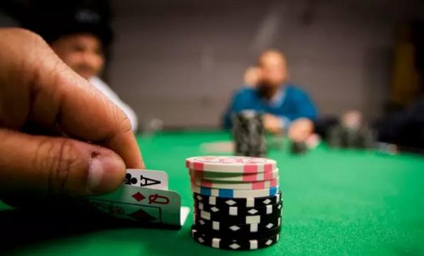 【蜗牛扑克】德州扑克如何输得有风度