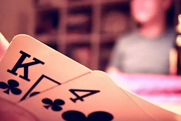 【蜗牛扑克】德州扑克怎样玩同花听牌