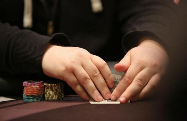 【蜗牛扑克】德州扑克如何做到良好的平衡