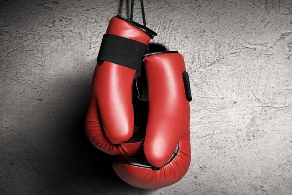 【蜗牛扑克】拳击和德州扑克的共同点