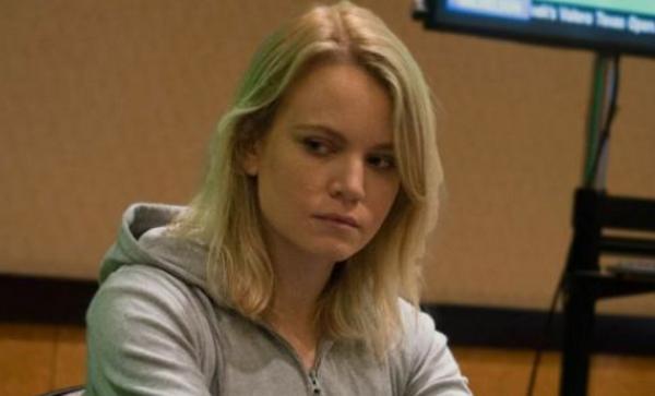 【蜗牛扑克】Cate Hall,非同一般的德州扑克牌手