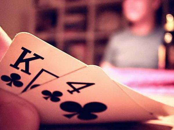 【蜗牛扑克】德州扑克用足够多的防守对抗3bet