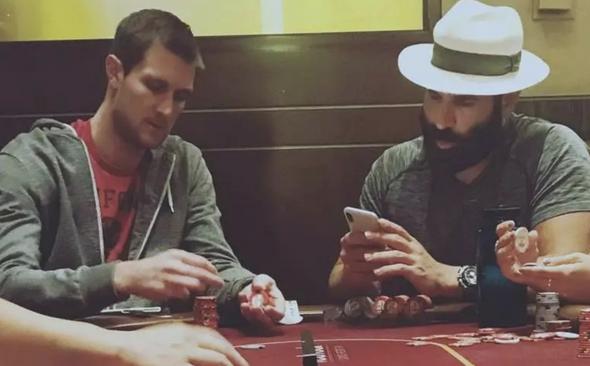 【蜗牛扑克】你还梦想做个德州扑克职业玩家吗