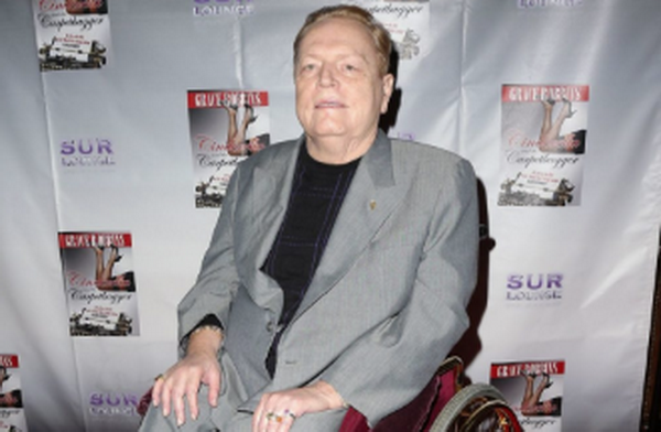蜗牛扑克:娱乐城老板拉里·弗林特去世,享年78岁