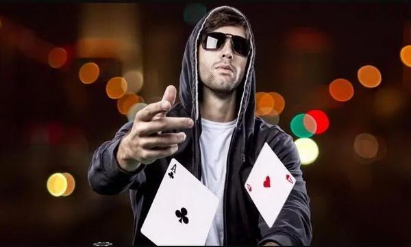 【蜗牛扑克】德州扑克中减少波动的三种方法,学到就是赚到!