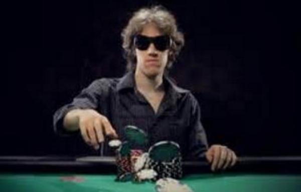 【蜗牛扑克】Ed Miller谈策略:将你的牌转变成诈唬