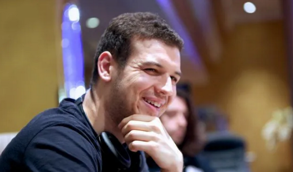 蜗牛扑克:Michael Addamo在百万赛上夺冠,带走131万