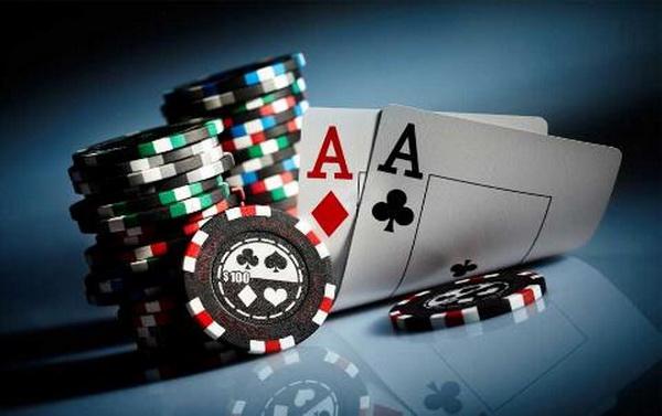 【蜗牛扑克】德州扑克中的决策并非对与错那么简单(上)