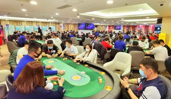 蜗牛扑克:第二季大连杯 主赛事预赛A组153人次参赛 赵成郁成为全场CL!