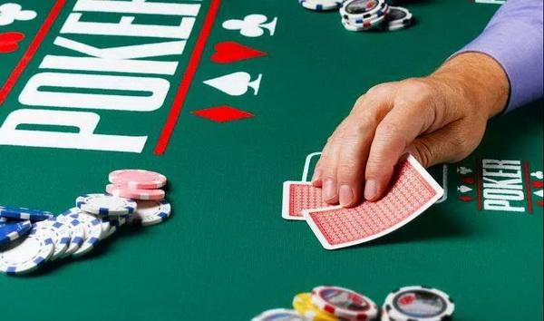【蜗牛扑克】德州扑克牌手不可不知的重要概念:筹码底池比