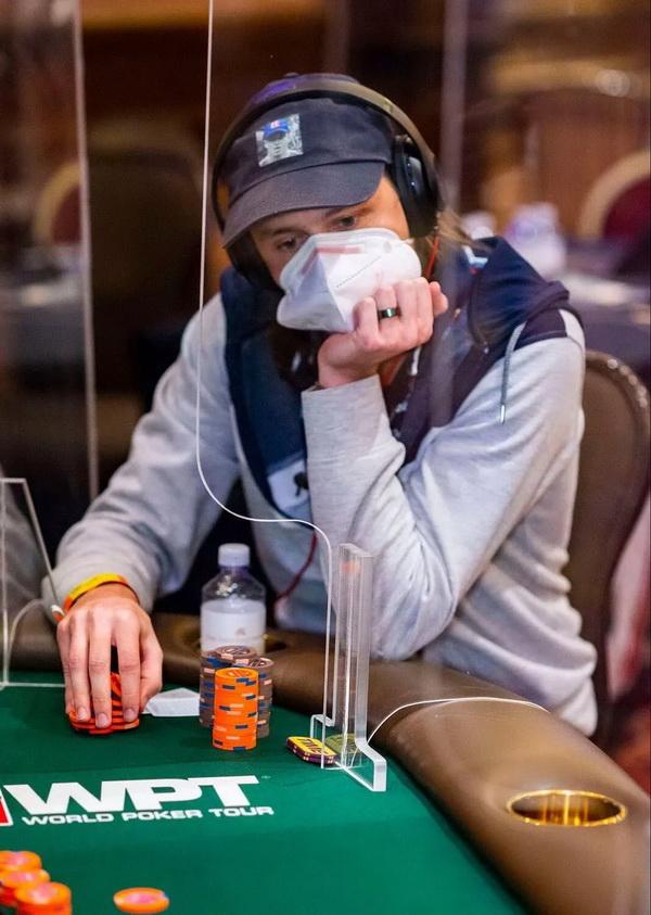 蜗牛扑克:失去重要部位和打WPT决赛桌,Rokita将如何取舍?