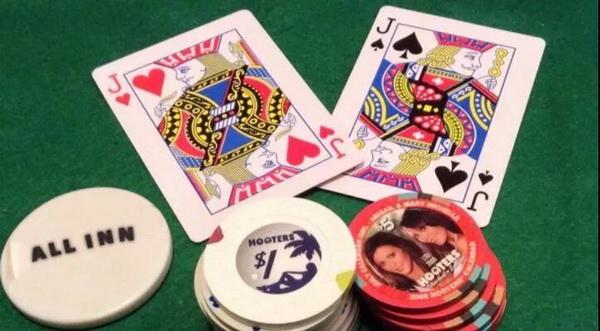 【蜗牛扑克】德州扑克JJ遇到两个翻前全压,该怎么打?