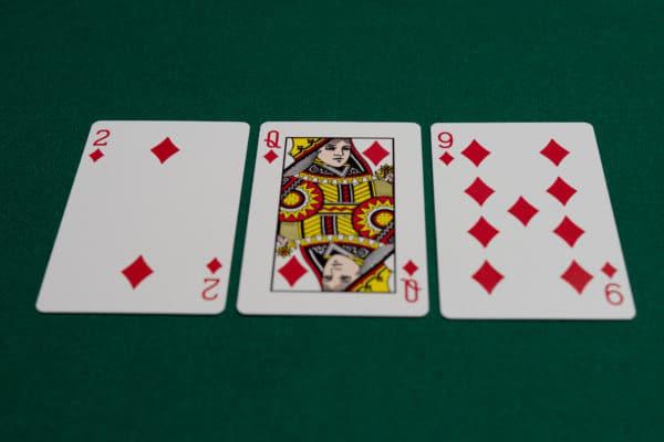 【蜗牛扑克】德州扑克翻牌中了天同花,什么时候该慢玩?