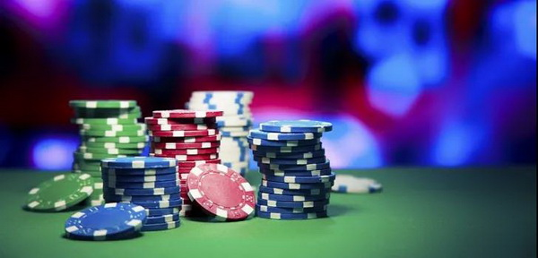 【蜗牛扑克】德州扑克如何应对转牌圈的超额下注?