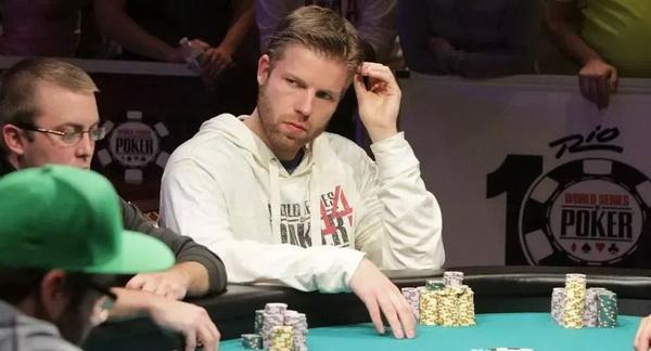 【蜗牛扑克】德州扑克牌手的致命缺陷:勤于思考,弱于行动