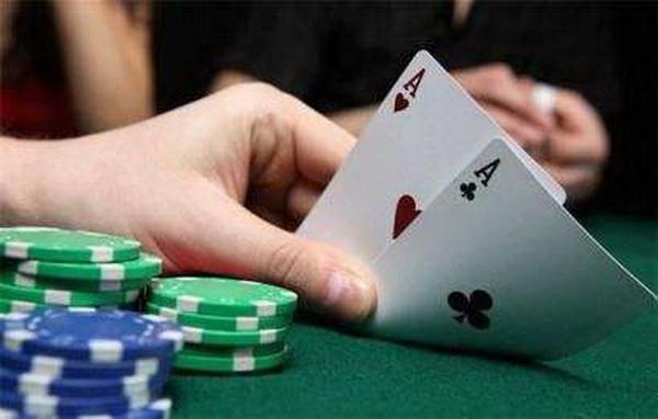 【蜗牛扑克】德州扑克MTT策略:和你想的不一样!!!