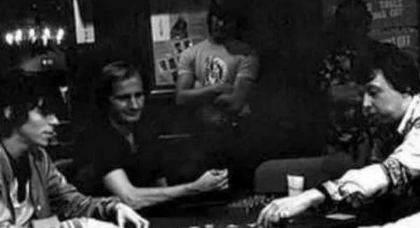 蜗牛扑克:Stefanie Ungar讲述了她父亲Stu去世的那一天