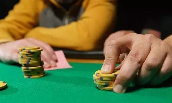 【蜗牛扑克】德州扑克你可能没有试过的走出下风期的方法
