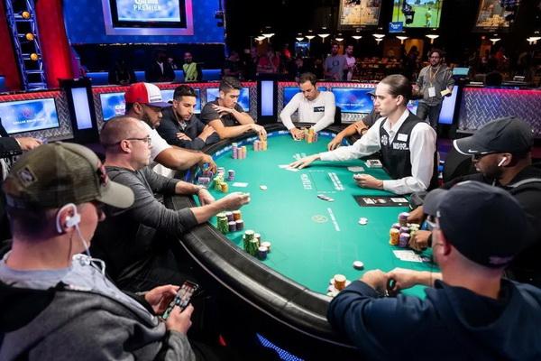 【蜗牛扑克】德州扑克学会这五招,手气不好没牌也能打好比赛